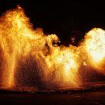 spectacle de feu,jongleurs de feu, compagnie belizama, cracheurs de feu, spectacle de rue, spectacle de feu bretagne, spectacle pyrotechnique, belizama, bretagne,spectacle de feu côtes d'armor