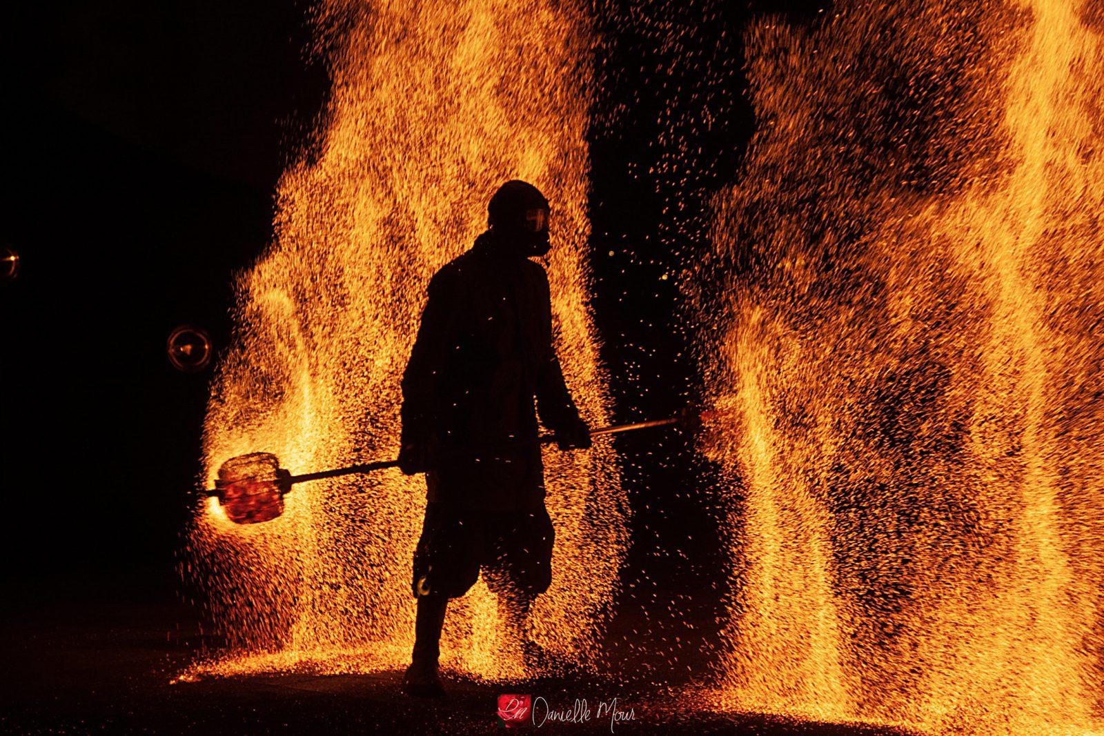 spectacle de feu,jongleurs de feu, compagnie belizama, cracheurs de feu, spectacle de rue, spectacle de feu bretagne, spectacle pyrotechnique, belizama, bretagne,spectacle de feu normandie,Aunay sur Odon